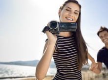 Best-ever HD picture quality from new Handycam® HDR-CX520VE/505VE
