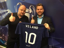 Viasat henter fotballekspert