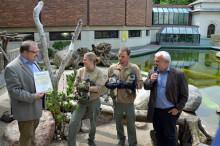 Pinguintaufe im Zoo Leipzig - Ur-Krostitzer verlängert sein Goldsponsoring