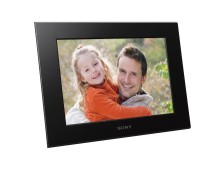 THE PERFECT GIFT: EASY-TO-USE DIGITAL PHOTO FRAMES FROM SONY