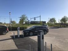 Clever sätter upp nya laddstationer för elbilar i Häljarp