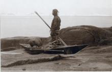 Världsunika inuitiska kajaker på Etnografiska museet