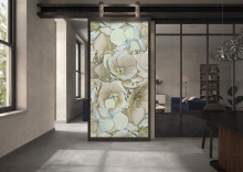 New Tiles for 2020 by Villeroy & Boch Nature meets art – ROCKY.ART: Natural stone look with abstract floral décor