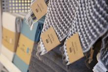 Neue Verpackungen bei JYSK sparen jährlich 27 Millionen Plastiktüten ein