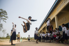 Hjälp fler barn att gå i skolan