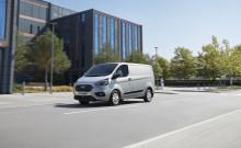Ford představuje v Hannoveru sériovou verzi Transitu Custom PHEV a nový Transit Connect Sport