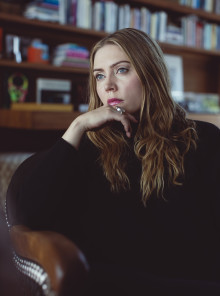 Jennie Löfgren fullbordar sin EP-trilogi med 'Dreamology Part 3'