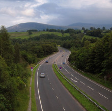 Nearly half of drivers of drivers are planning a leisure trip this weekend – but most are staying local