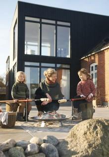 Indret haven til en sommer fyldt med udendørs aktiviteter og hygge