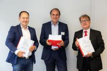 Vertragsabschluss: Adina Apartment Hotels und Premier Inn  ziehen in den Turm am Mailänder Platz, Stuttgart