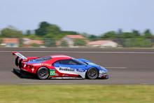 Ford GT i racertrim indtager World Endurance Championship på Silverstone-banen i april 2016
