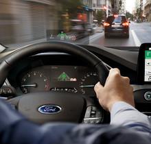 Ford ukázal, jak může adaptivní tempomat zamezit vzniku zbytečných kolon a zlepšit plynulost dopravy