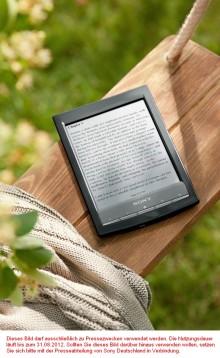 Sony präsentiert den weltweit leichtesten E-Book Reader mit Wireless-LAN
