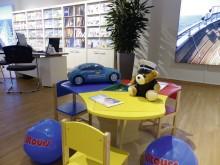 Auszeichnung zum familienfreundlichen Unternehmen - alltours Reisecenter vier Mal in Folge Branchenbester