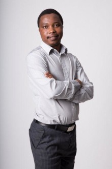 Best Health Economics Journalism Andile Makholwa from Financial Mail for 'Bitter Pill? Motsoaledi's mission to curb private health costs'