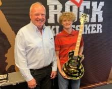Rockklassikers auktion inbringade 86.500 kronor till MusikBojen
