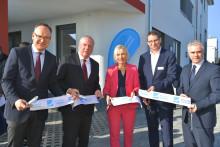 Glasfaseroffensive in Hessen: Digitalministerin Dr. Kristina Sinemus eröffnet neuen Deutsche Glasfaser Standort in Seligenstadt