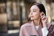 Frei von Lärm und Kabeln: Der neue True Wireless Noise Cancelling Kopfhörer WF-1000XM3 von Sony