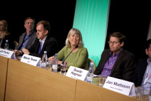 Debatt om miljonprogramsupprustningen på Nordbygg 2012:  Regeringsrepresentant nobbade förslag om lånegarantier