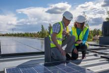 Stadshusets mötesrum ska försörjas av solenergi