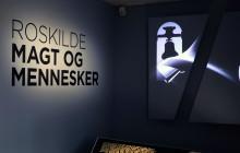 TÆTTERE PÅ 'ROSKILDE - MAGT OG MENNESKER'