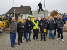Deutsche Glasfaser stellt Glasfaserhauptverteiler in Holzhausen auf