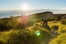 OutdoorTestival in den Brenta-Dolomiten: Nächtliche SUP-Tour auf dem Molvenosee