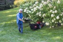 Ny gräsklippare med praktisk backfunktion - Toro Recycler 55 SmartStow PoweReverse