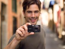 Imágenes extraordinarias incluso con poca luz: Las sorprendentes Cyber-shot TX1 y WX1 incluyen la última tecnología óptica, de imagen y de procesamiento de Sony