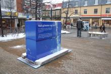 Har du sett den blå lådan på Rådhustorget?