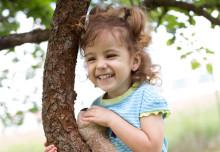 Alleine anziehen: Warum Wendemode Kindern Spaß und Eltern glücklich macht