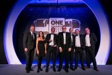 OXFORD BUS COMPANY SCOOP LARGE BUS OPERATOR OF THE YEAR GONG AT INDUSTRY AWARDS