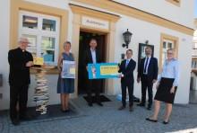 Bibliothekspreis für Stadtbücherei Altötting - Bayernwerk unterstützt Einrichtung mit 5.000 Euro
