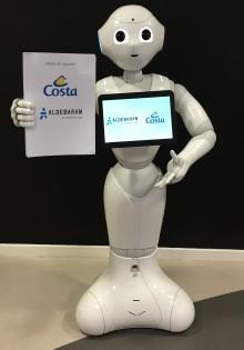 Robotter byder velkommen til passagererne på Costa Diadema