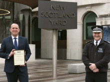 Met homicide detective rewarded for his hard work and dedication