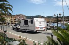 Vereinfachter Anhängerführerschein bei Fendt-Caravan