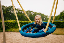 Nyhed: CADO lancerer Danmarks første svanemærkede redskaber til lege- og sportspladser