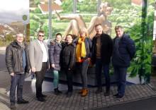 Buntes Treiben an Trafostation - Bayernwerk schafft neuen Blickfang in Thüngersheim