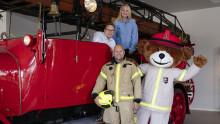 Bjørnis inntar lesekroken når Aschehoug utgir tre barnebøker om brannvern denne høsten