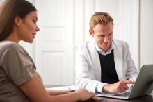 Pankkipalvelut muuttavat muotoaan - asiakkaille on edelleen tärkeintä henkilökohtainen palvelu