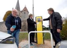 Zwei E-Ladesäulen für Heßdorf