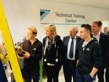 Minister Crevits bezoekt project duaal leren bij Daikin