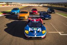 Åtta Ford GT-förare jämför åtta Ford Performance-bilar under episkt race