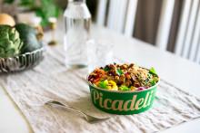 Picadeli fortsätter vegopeppa med höstens nyheter – nya smakrika Teriyaki strips och crunchiga puffar