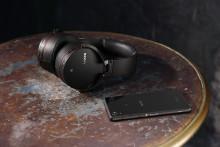 Relaxed luisteren met de nieuwe draadloze Bluetooth®-hoofdtelefoons van Sony