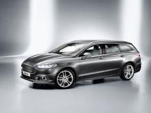 Ny Ford Mondeo med utvidet parkeringsassistanse, elektrisk rattstammeregulering og nytt hjuloppheng.