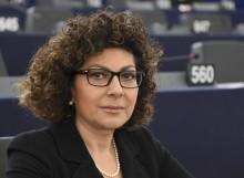 Michela Giuffrida, Deputato del Parlamento Europeo, invita i Politici ad utilizzare la Banda Larga via satellite per colmare subito il digital divide nelle aree rurali