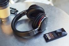Kabelloser Hörgenuss mit vier neuen Bluetooth®-Kopfhörern von Sony