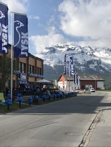 JYSK feiert Neueröffnung im Schweizer Samedan - erste Filiale im Engadin