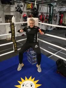NOCCOs ambassadör Maria Lindberg i titelmatch